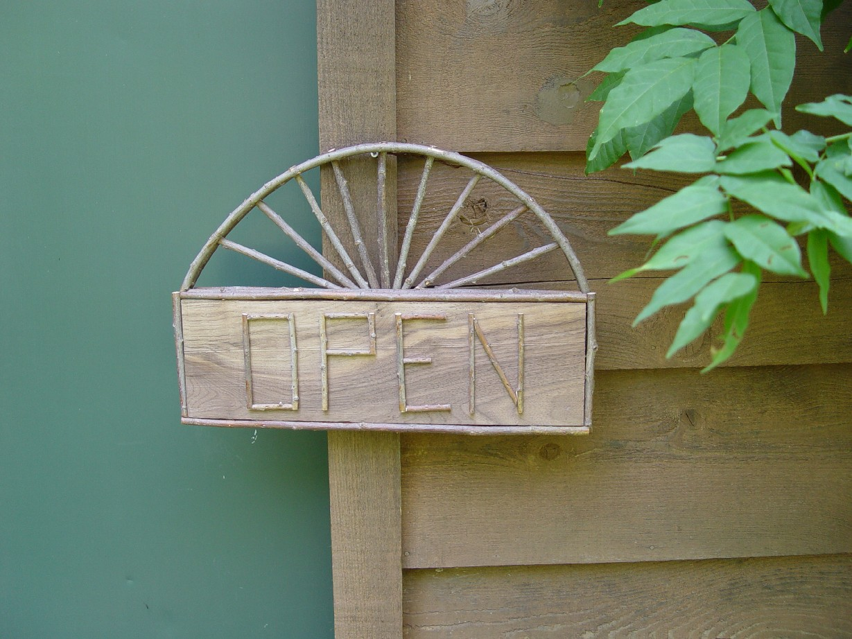 Item# 109 - Open/Closed Sign - 2-sided